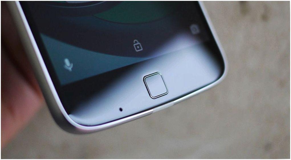 """Обзор смартфона Lenovo Moto Z Play: долгожитель с """"прикладными"""" добавками"""